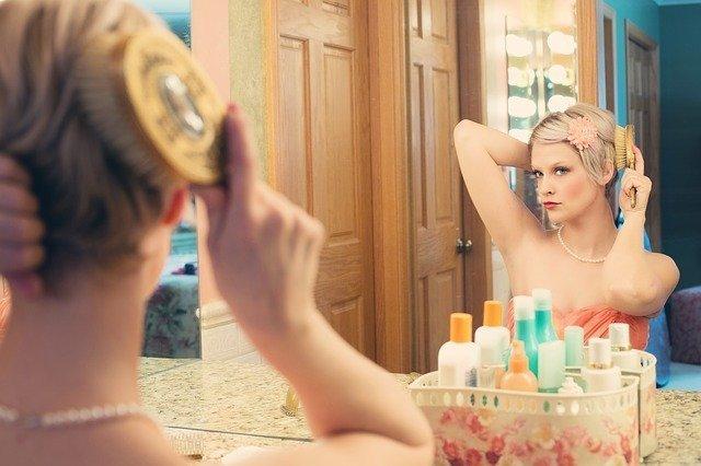Proverbio Chino: La gente se arregla todos los días el cabello. ¿Por qué no el corazón?